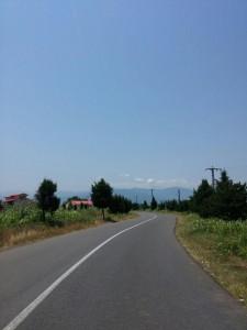 مسیر ورودی گیلاکجان در نگاه رشته کوههای البرز
