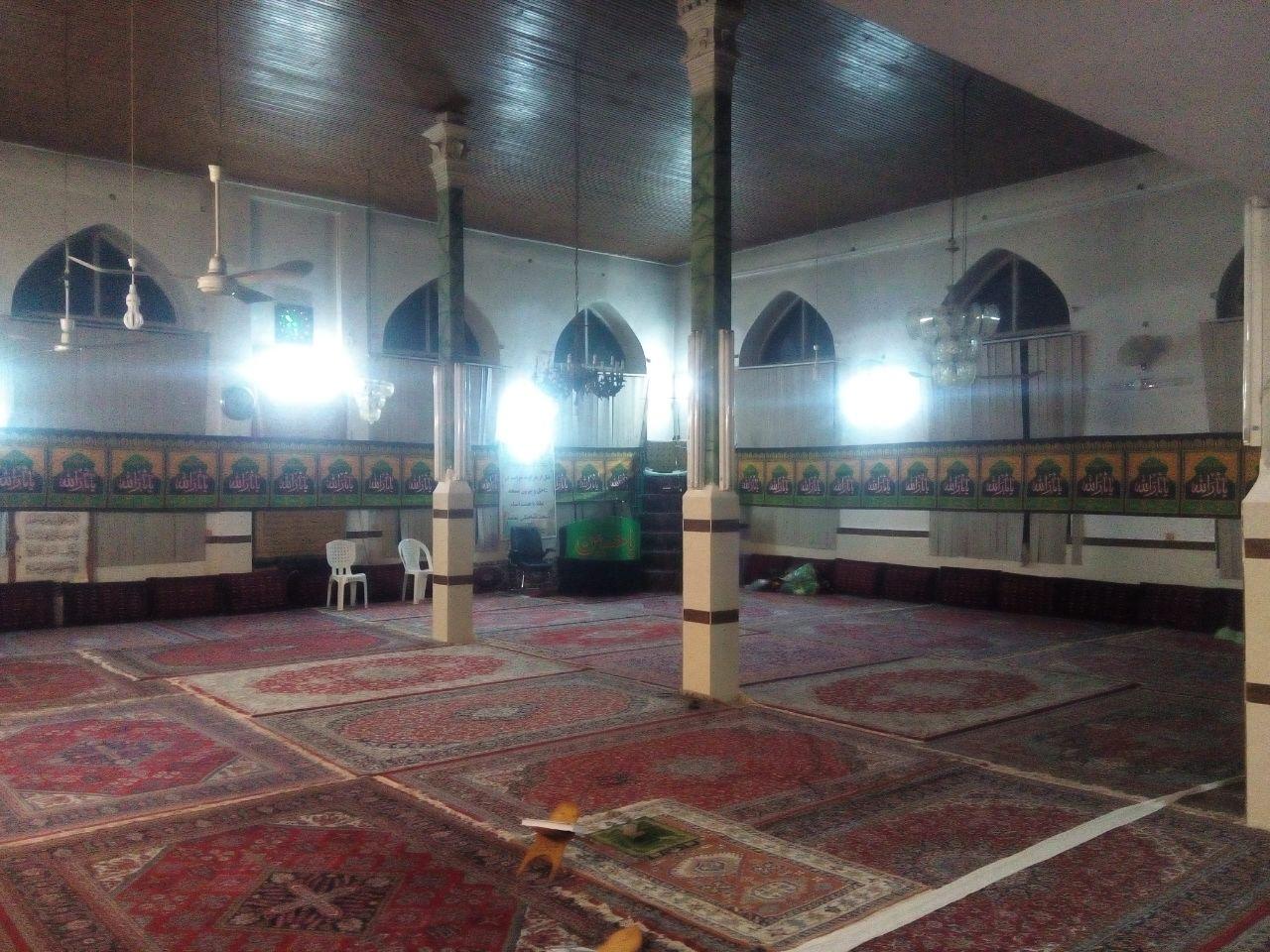 تصاویری از آماده سازی مسجد جامع گیلاکجان بمنظور اقامه عزای حسینی ۱۳۹۵