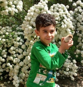 احسان آقاجانی نوه آقای عزیز محمدی گیلاکجانی
